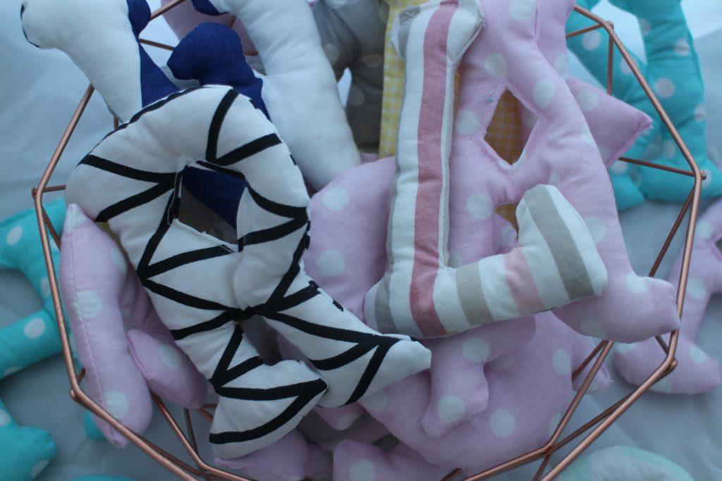 poduszki literki
